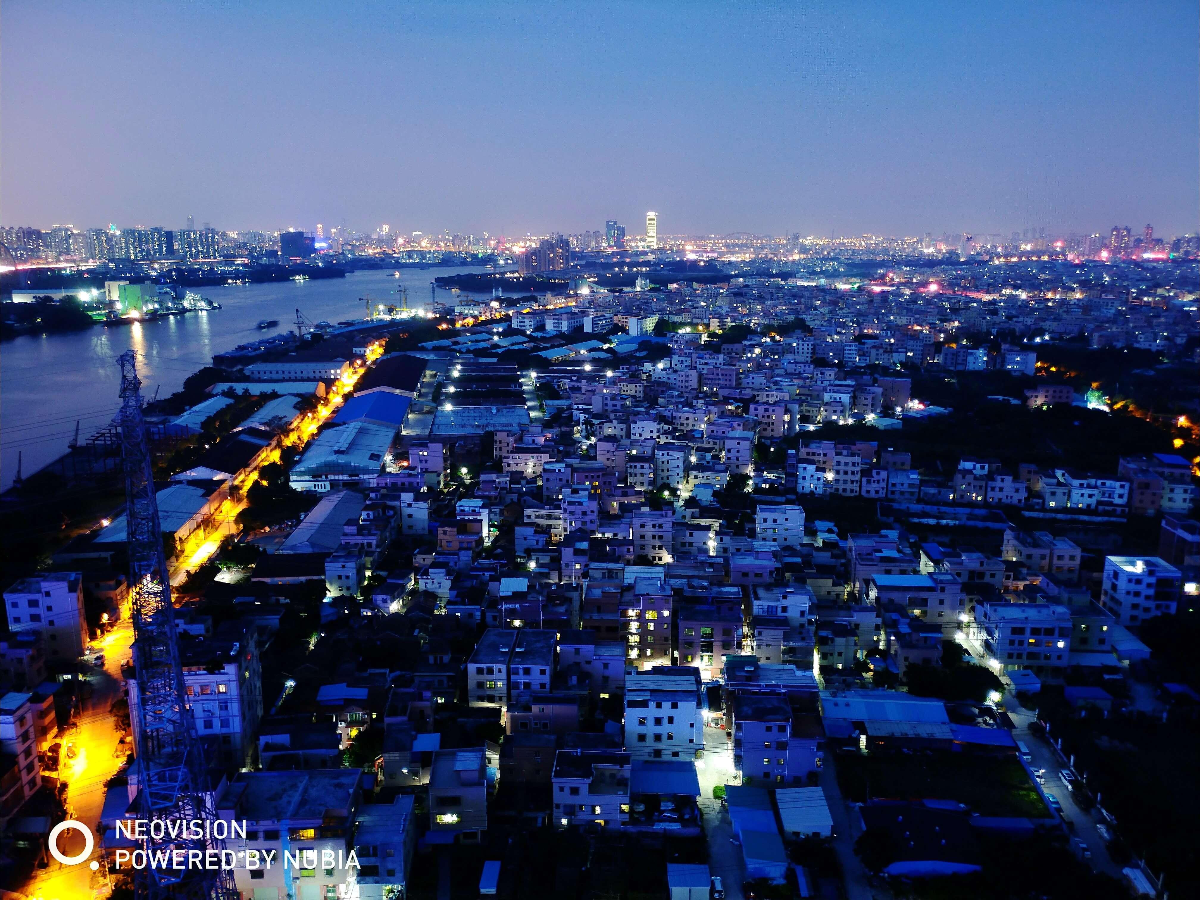 夜幕下的城中村